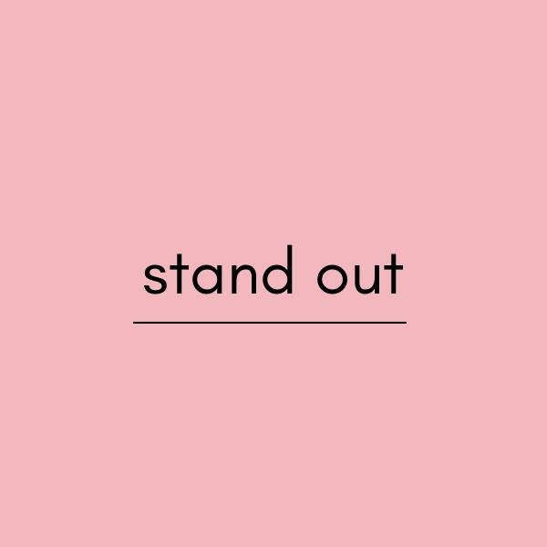 stand outの意味と使い方、例文を解説