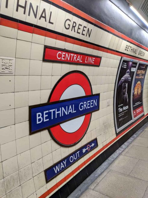 英語「Way out」の意味-ロンドン地下鉄