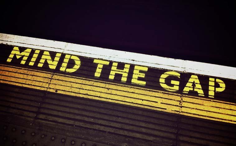 MINDの使い方① ロンドン地下鉄名物 『MIND THE GAP』